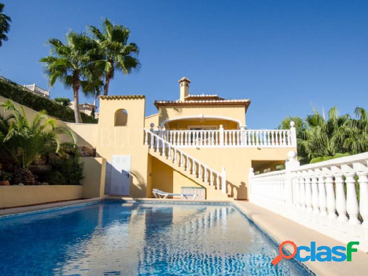Villa con vistas panorámicas en venta en La Sella golf, Denia 1