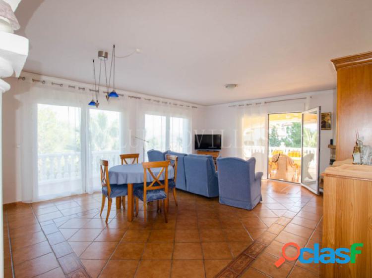 Villa con vistas panorámicas en venta en La Sella golf, Denia 3