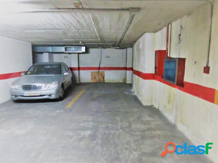 Venta plaza garaje,coche grande, (zona plaza de gracia) granada