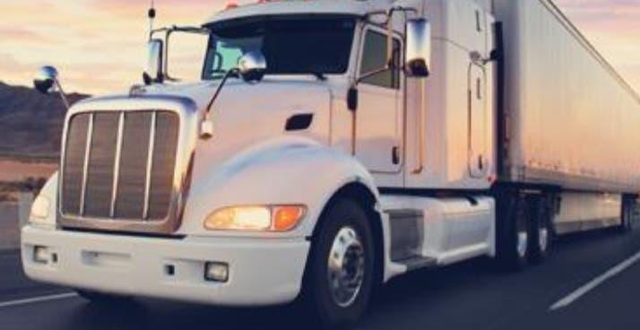 Busco empleo de chófer de trailer c+e