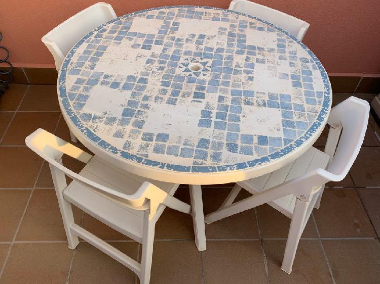 Conjunto mesa jardín grosfillex