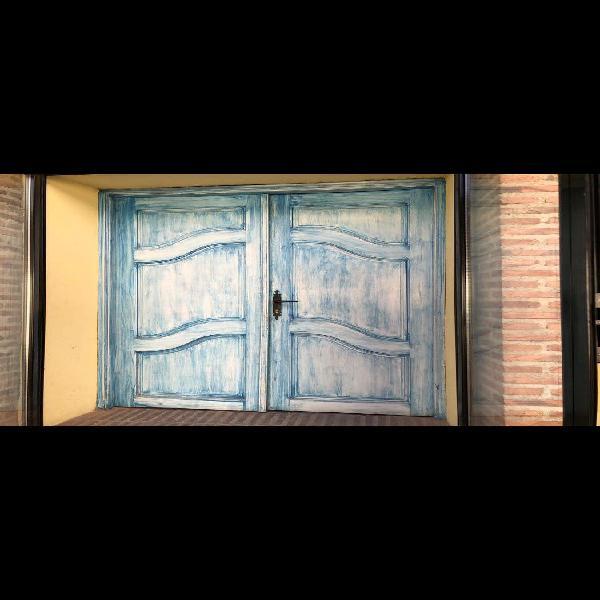 Puerta doble de entrada