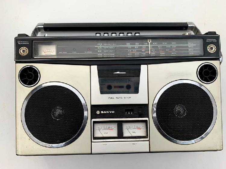 Radio sanyo m-4500k boombox ghettoblaster.