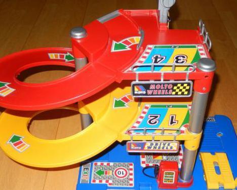 Garaje parking coches juguete niño