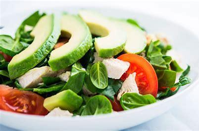 Se traspasa rentable restaurante de comida saludable