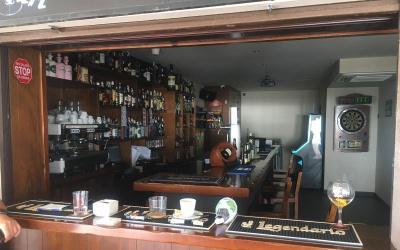 Traspaso bar/cafetería en 1º linea de playa...genial