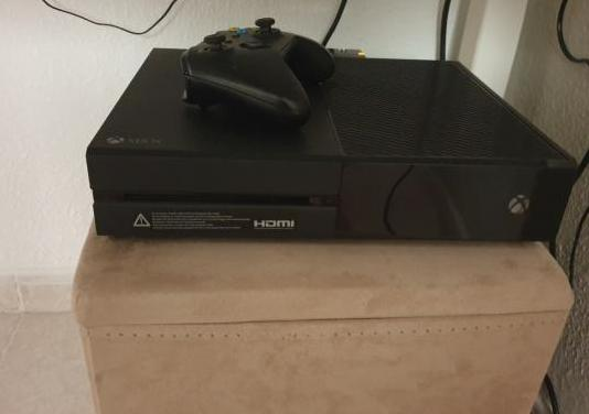 Xbox one 1 tb y juegos de regalo y batería.