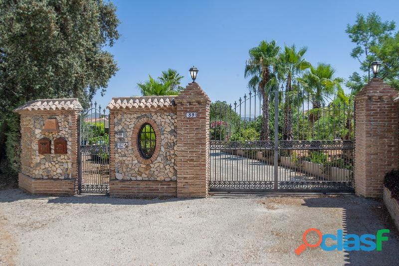 Alquilo una casa con piscina en Malaga Alhaurin cerca campo lauro golf 1