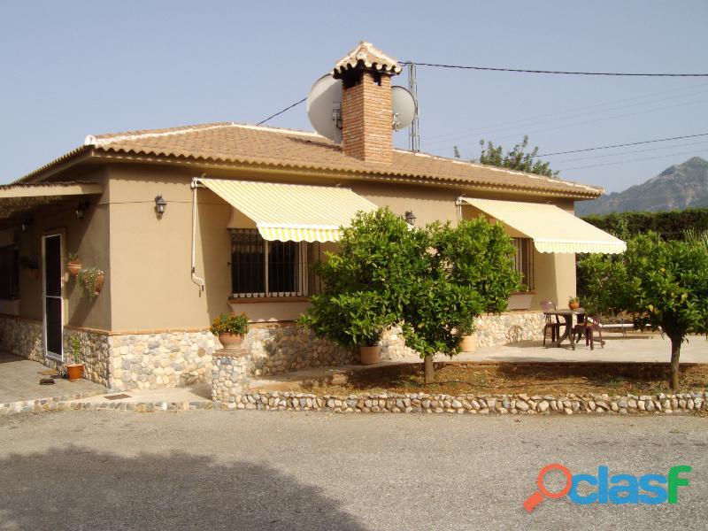 Alquilo una casa con piscina en Malaga Alhaurin cerca campo lauro golf 4