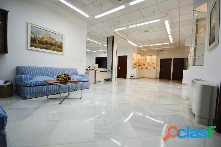 Oficinas en venta, zona pio xii, de 560 m2. facilmente adaptable para cualquier otra actividad