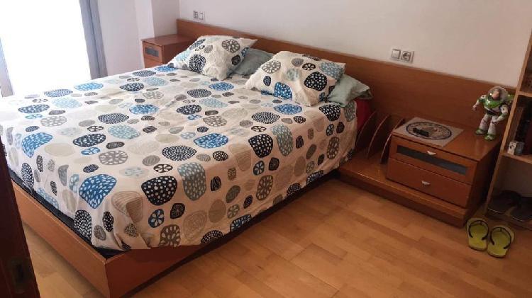 Dormitorio cama matrimonio colchón canapé