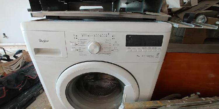Lavadora whirlpool en buenas condiciones