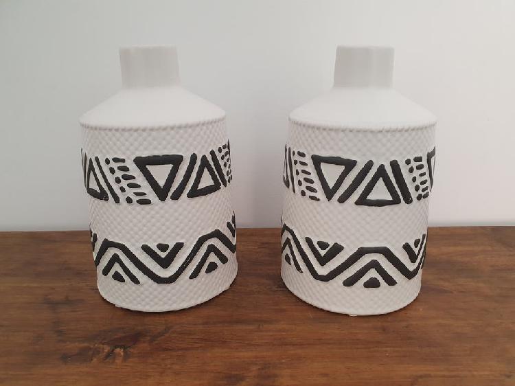 Nuevo - jarrón gres ikat blanco (14,5x23,5cm)