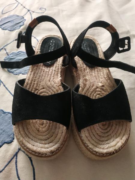 Sandalias casi nuevas, solo me las he puesto dos v