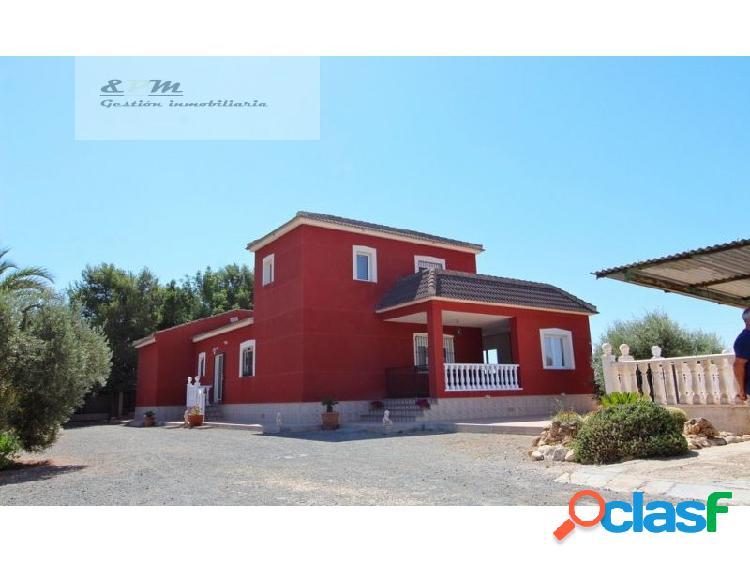 Preciosa casa de campo con 4.000 m2 de parcela en los montesinos
