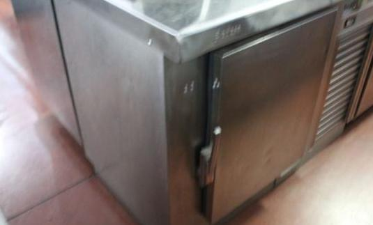 Mesa refrigerada 1 puerta aceroinox usada