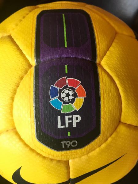 Balón la liga de fútbol oficial escucho ofertas
