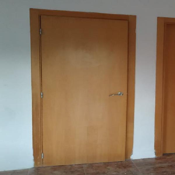 Puerta interior casa