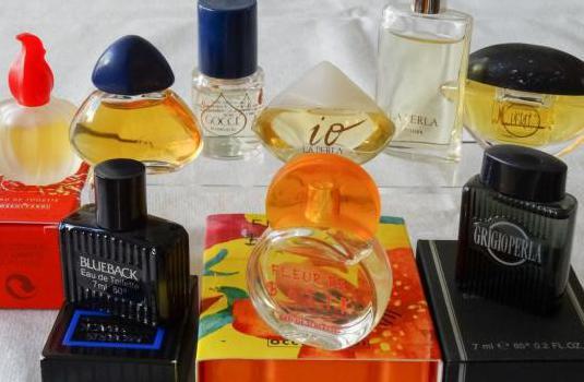 154 - miniaturas de perfumes batik-morris