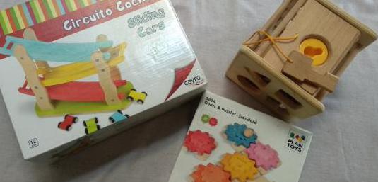 3 juguetes madera