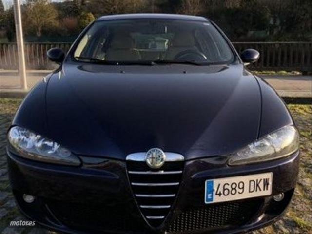 Alfa romeo 147 1.6 ts 105cv distinctive de 2005 con 189.000