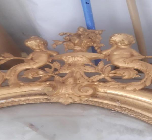 Espejo isabelino antiguo en pan de oro medidas 148 cms. de
