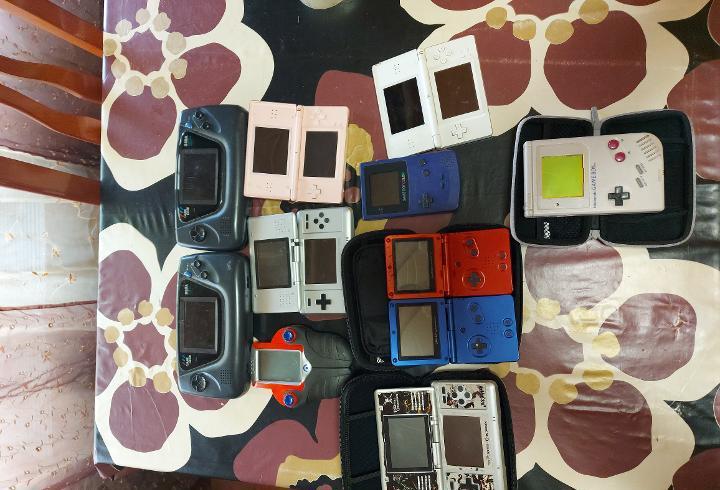 Lote conjunto de consolas para piezas o reparar