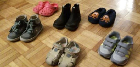 Zapatos de niño numero 24 en buen estado