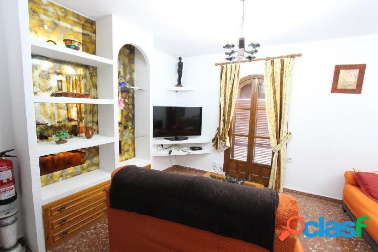 Bonita casa adosada en la zona centro de Nerja 1
