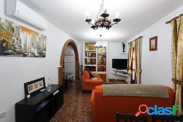 Bonita casa adosada en la zona centro de Nerja 2