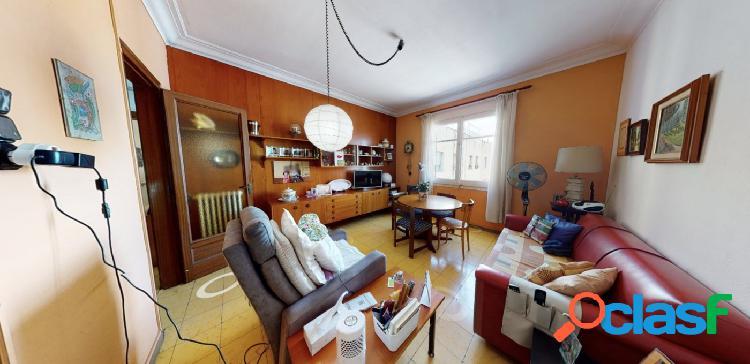 Se vende vivienda con alquiler vitalicio garantizado hasta 12 meses en la nova esquerra del eixample