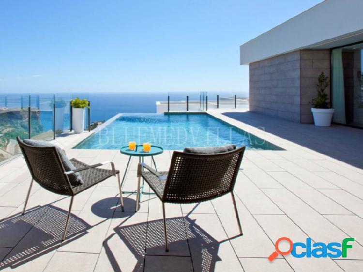 Villa moderna con vistas al mar en venta en la cumbre del sol, moraira