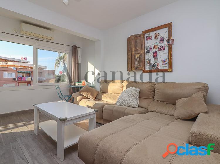 Visite esta apartamento en platja de muro con inmobiliaria alcanada.
