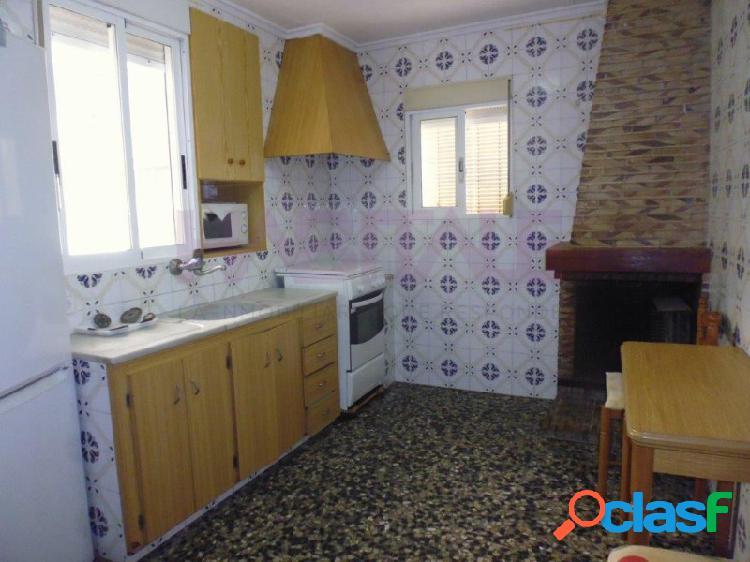 Casa en venta o alquiler en carcaixent