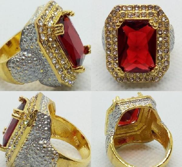 Lujo de anillo sello con rubí engastado en plata oro
