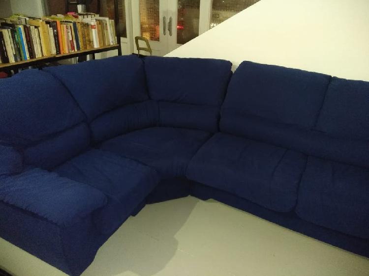 Sofá aterciopelo azul