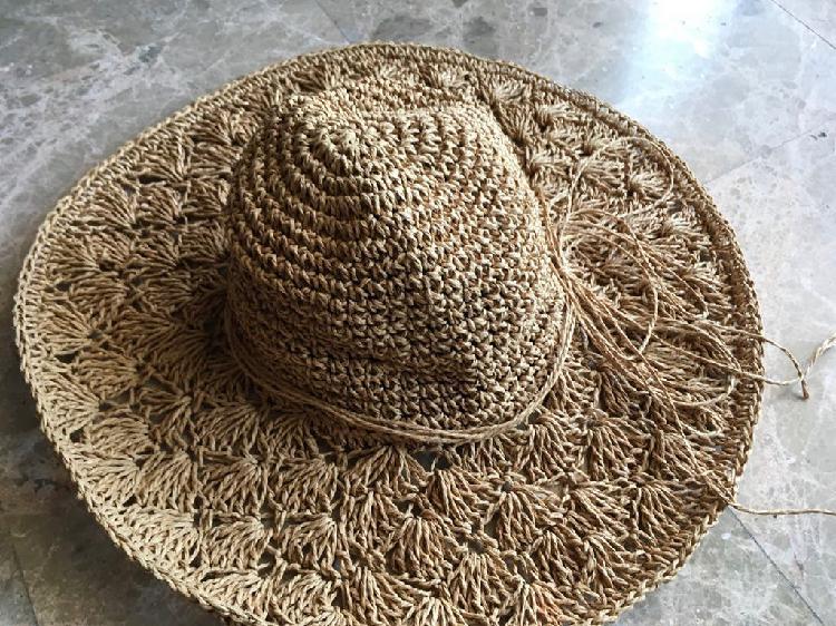 Sombrero ligero y cómodo