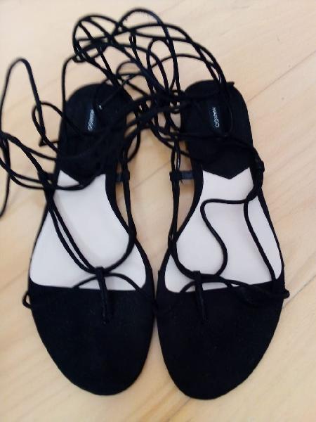 Zapatos de mujer variados