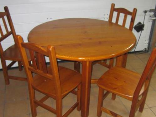 4 sillas madera y mesa
