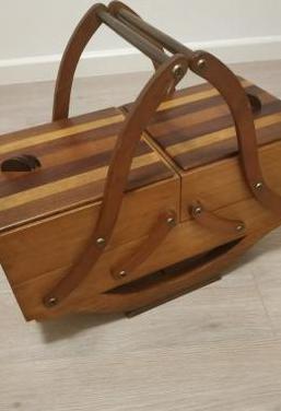 Inusual costurero diseño vintage