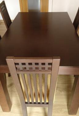Mesa comedor color wengue