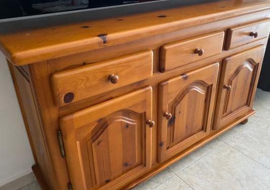 Mueble de madera pino