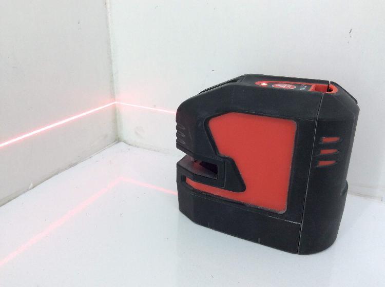 Nivel laser leica lino l2