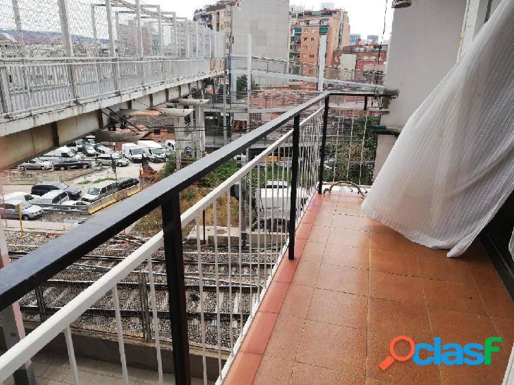 Balcón y ascensor!!