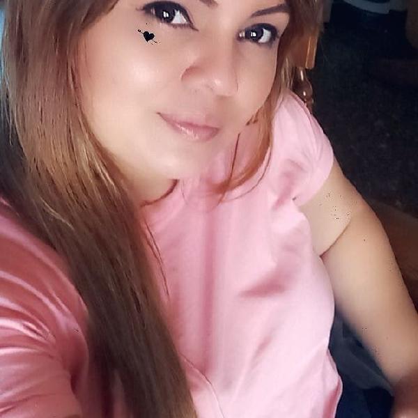 Chica hondureña de 27 años cn experiencia de cuida