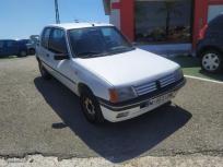 Peugeot 205 diesel mito de 1996 con 238.000 km por 800 eur.