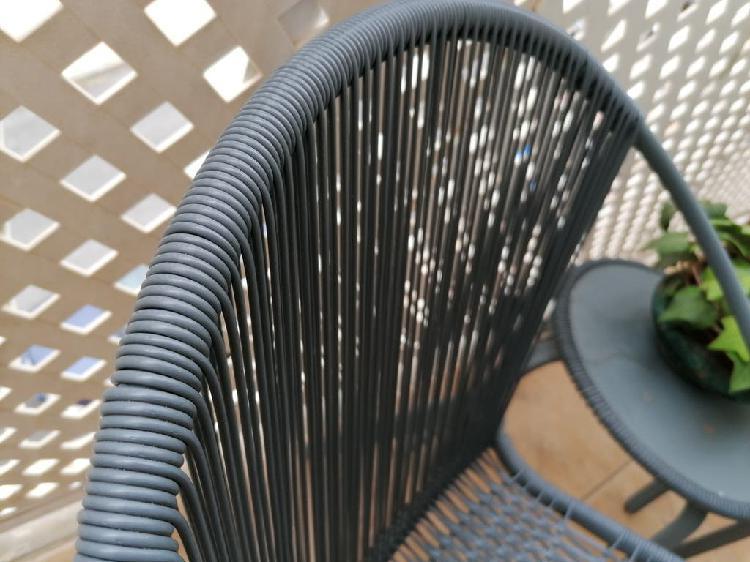 Sillas jardín con mesa