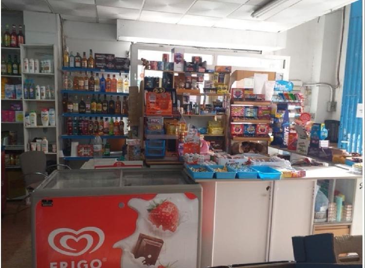 Se traspasa tienda de alimentación