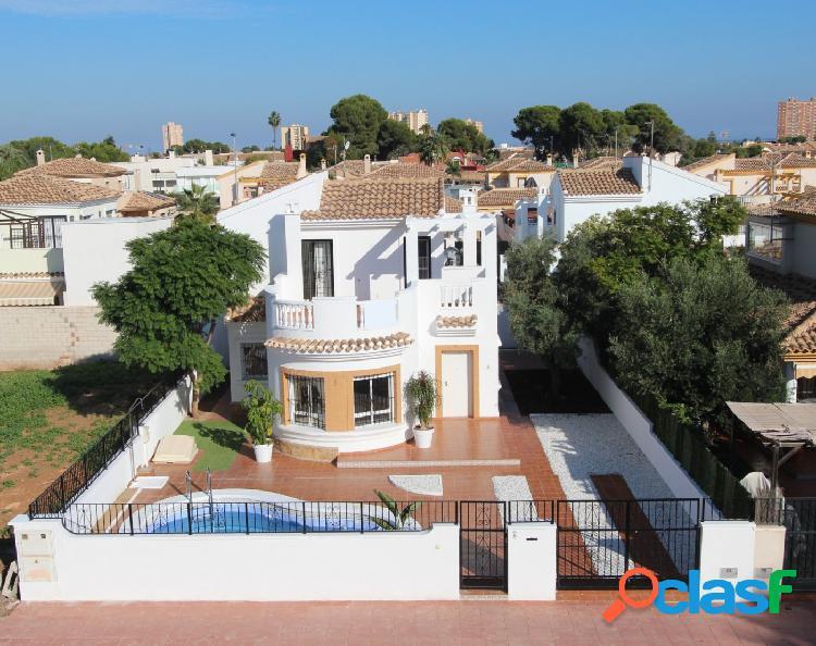 Villa de 3 dormitorios y 2 baños en parcela de 306m2 con piscina privada en Santiago de La Ribera 3