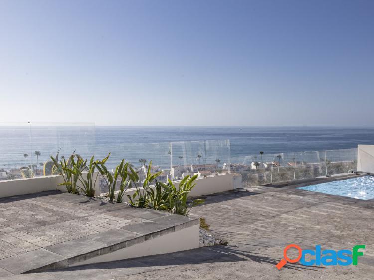 Casa pareada con piscina privada e impresionantes vistas al mar en la Chullera, Manilva 1